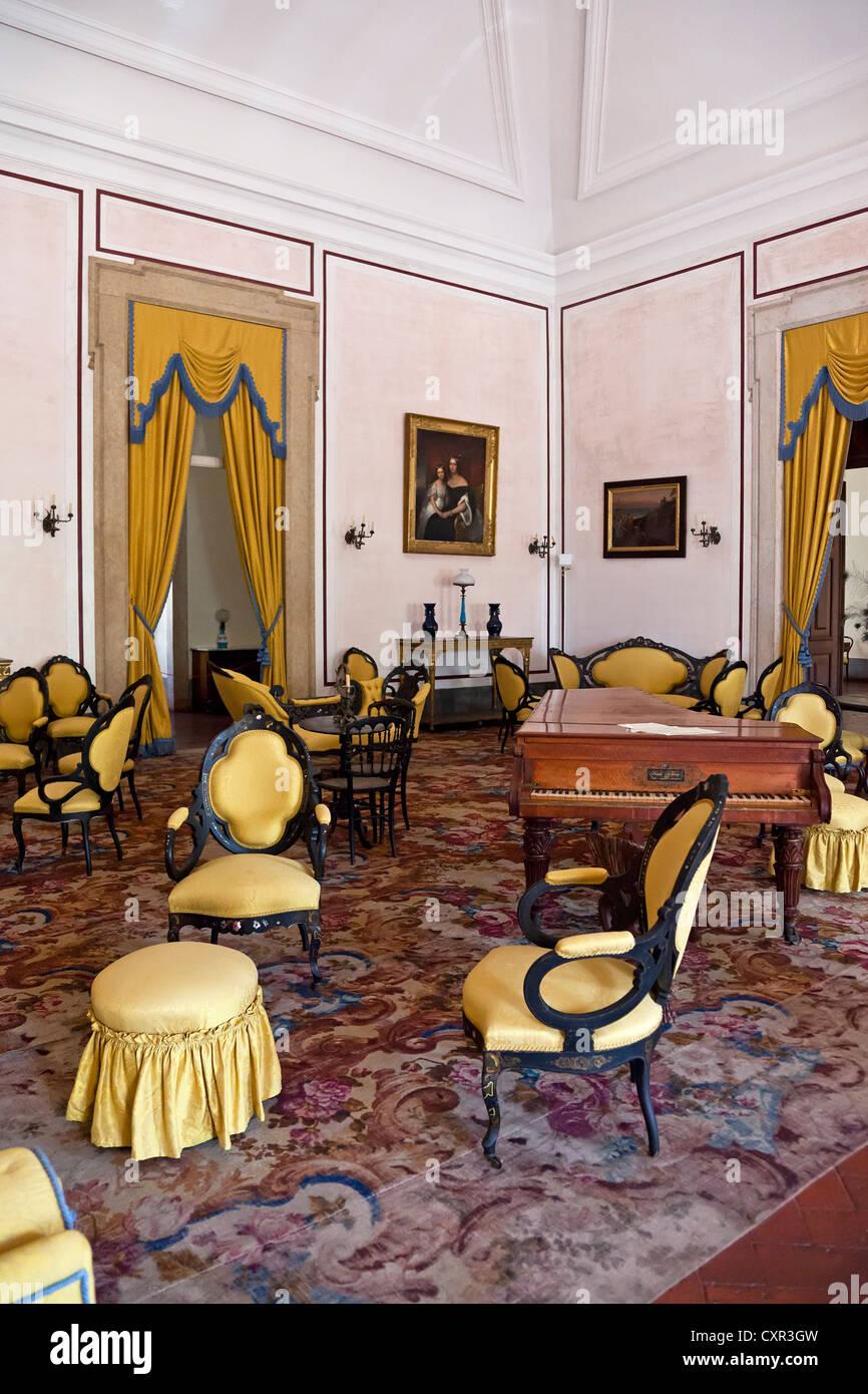 Gelbes Zimmer oder Musikzimmer im Nationalpalast Mafra, Portugal ...