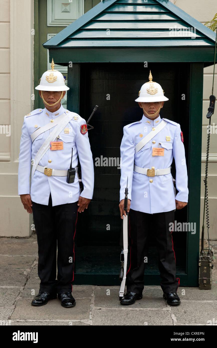 Wachen, Royal Grand Palace, Bangkok, Hauptstadt von Thailand, Südostasien, Asien Stockbild