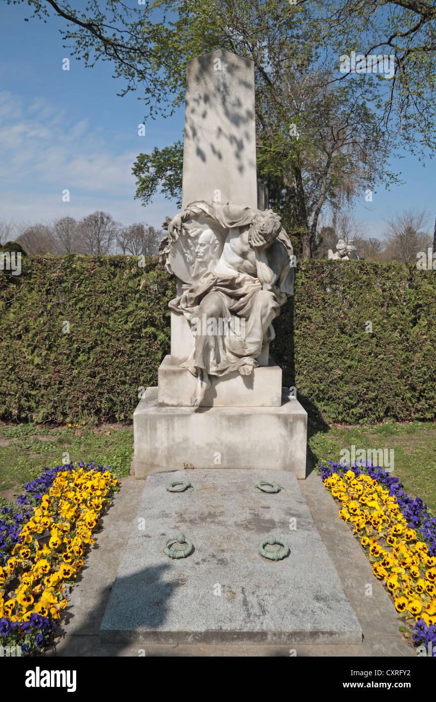 Das Grab des österreichischen Komponisten Leop C Muller auf dem Zentralfriedhof Friedhof, Simmering, Wien, Stockbild