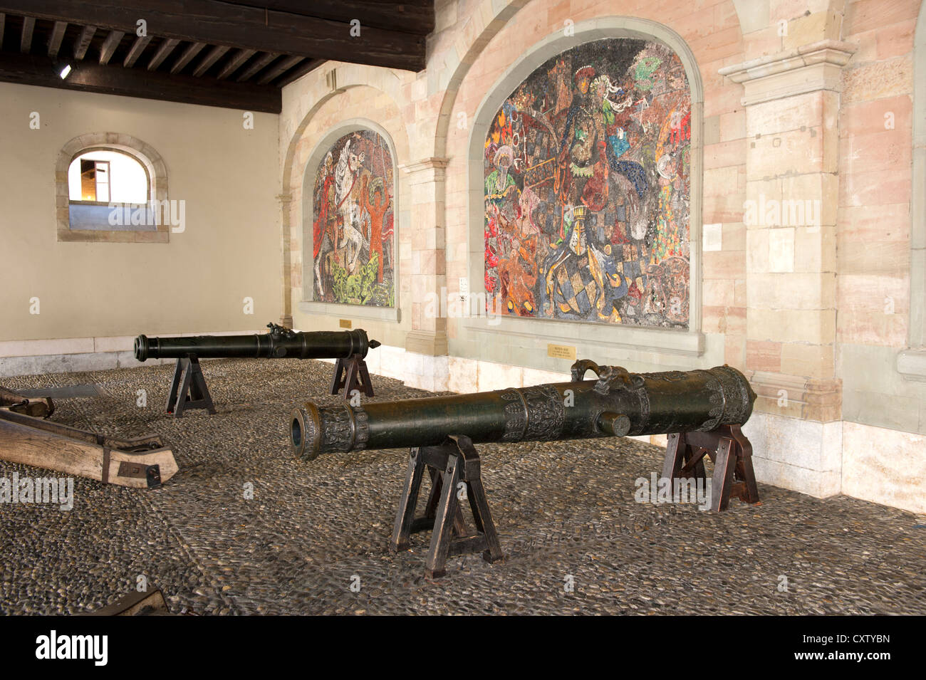 Mittelalterliche Waffen der Genfer Artillerie im ehemaligen Arsenal, Genf, Schweiz Stockbild