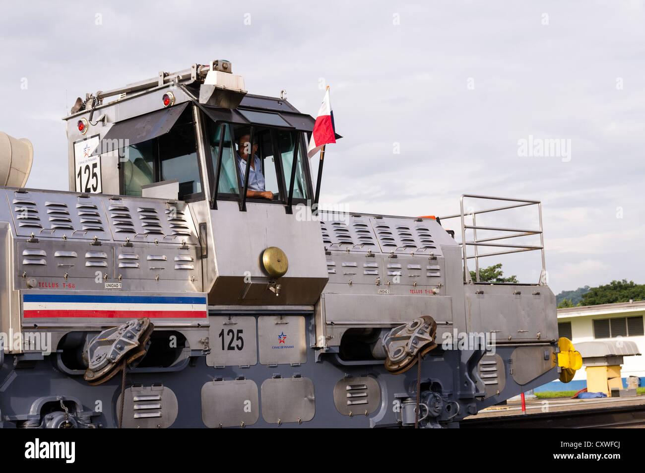 Panama Panama-Kanal Elektro Maultieren oder Eisenbahn Schlepper ...