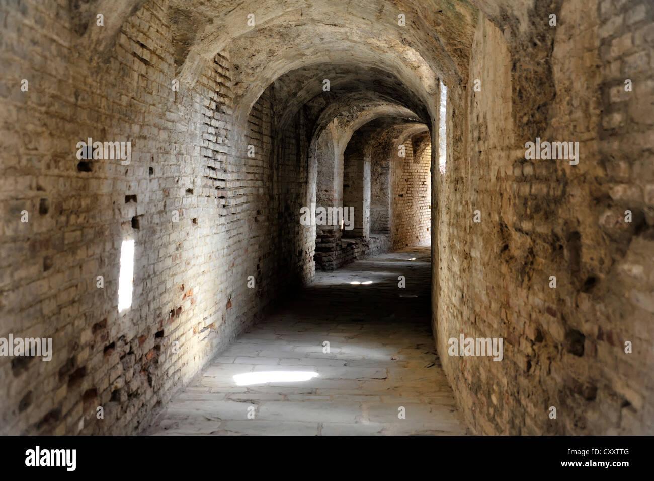 Seite Korridore, Amphitheater, römische Ruinen von Itálica, Santiponce, Sevilla Provinz, Andalusien, Spanien, Stockbild