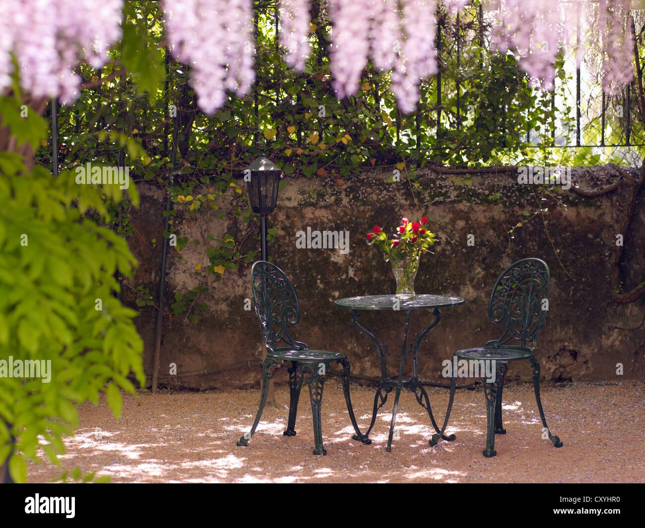 Stilleben Rund Antik Gusseisen Garten Tisch Und Zwei Stuhle In