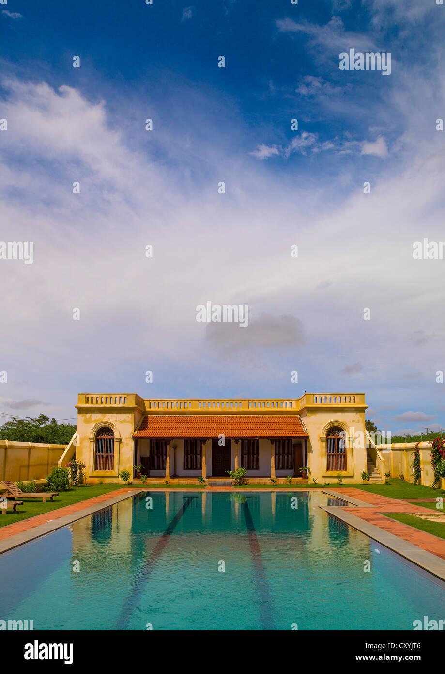 Schwimmbad im Visalam Hotel, Kanadukathan Chettinad, Indien Stockbild