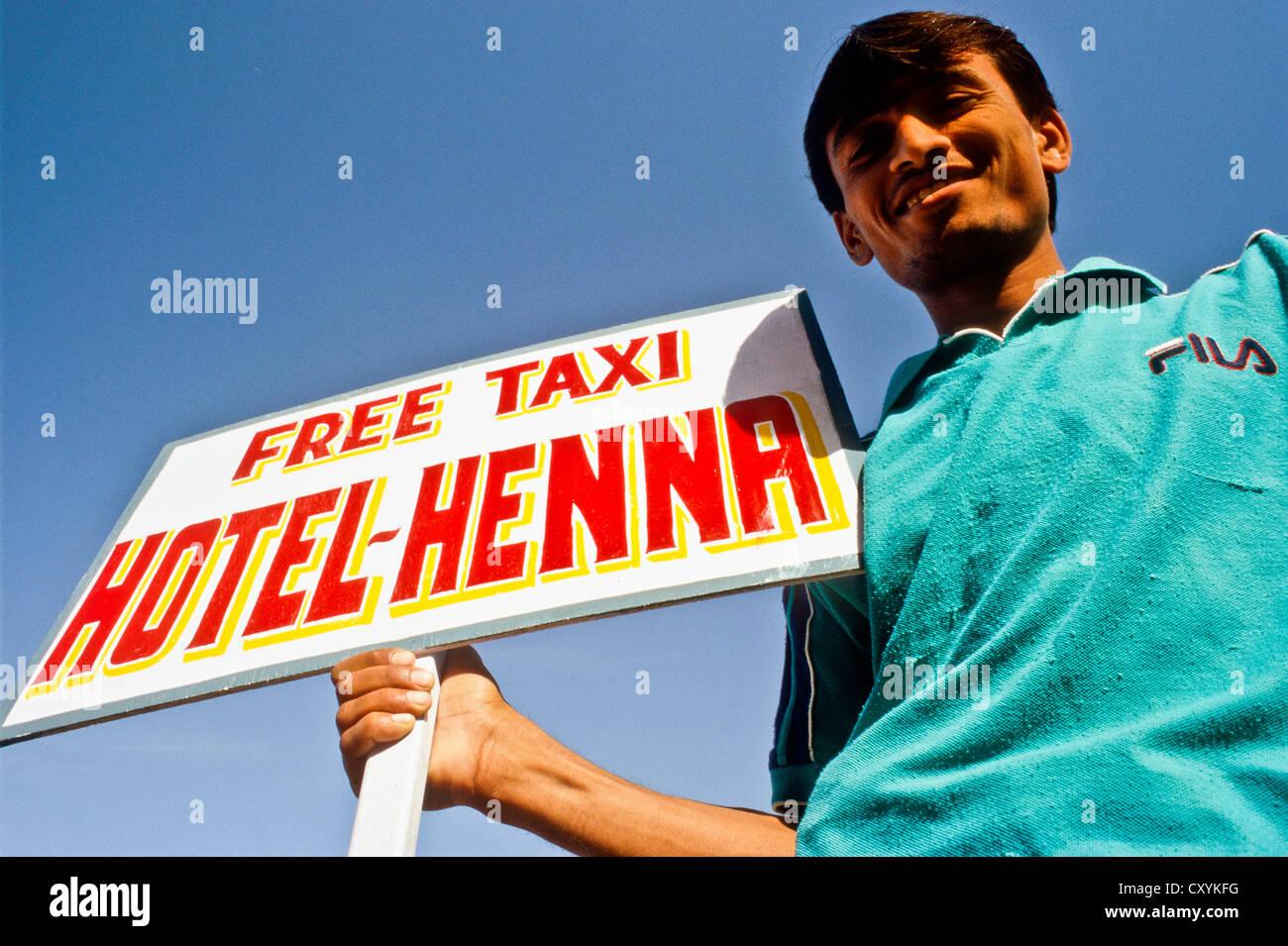 Tout, versuchen, Touristen zu den Hotels zu verdienen, Kommission, Jaisalmer, Indien, Asien Stockbild