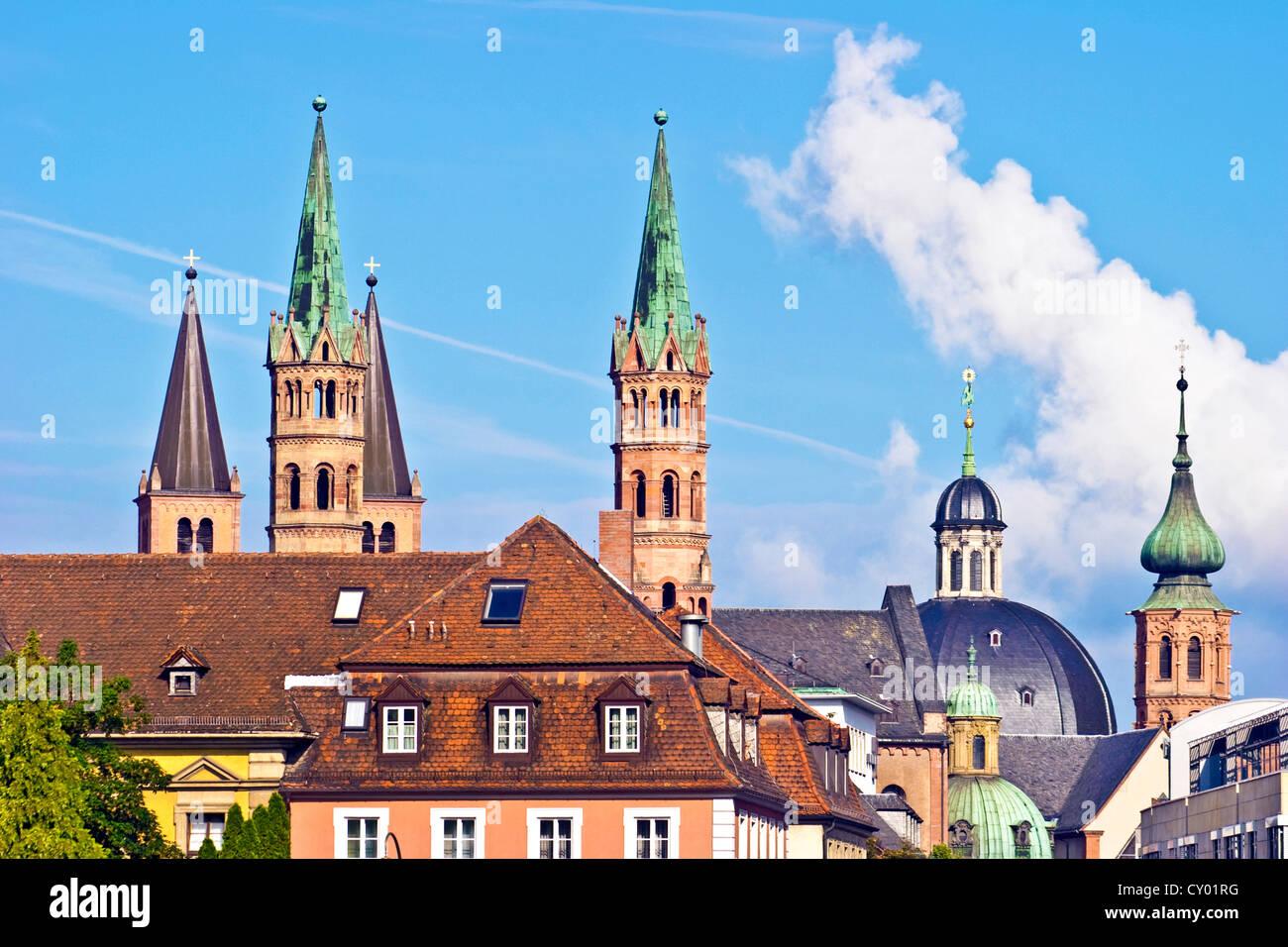 Würzburg, Bayern, Deutschland-Skyline-Blick auf die Stadt Würzburg mit ihrer Kathedrale (Dom) und Neumünster Stockbild