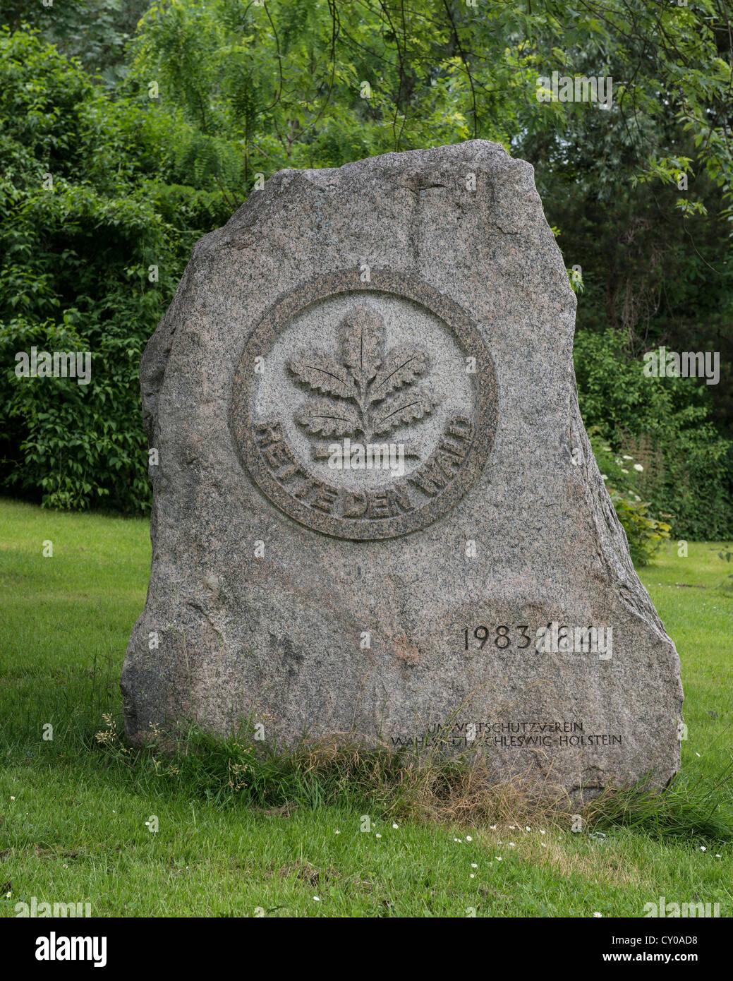 """Stein Relief """"Zusammenpacken Den Wald"""", Deutsch """"Speichern des Waldes"""", Eiche Bäumchen, Stockbild"""