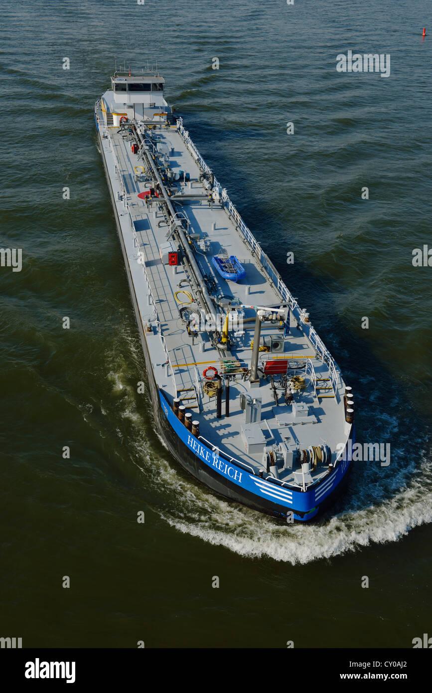 Heike Reich Motorschiff, Tanker, auf Hochtouren am Rhein, Nordrhein-Westfalen Stockbild
