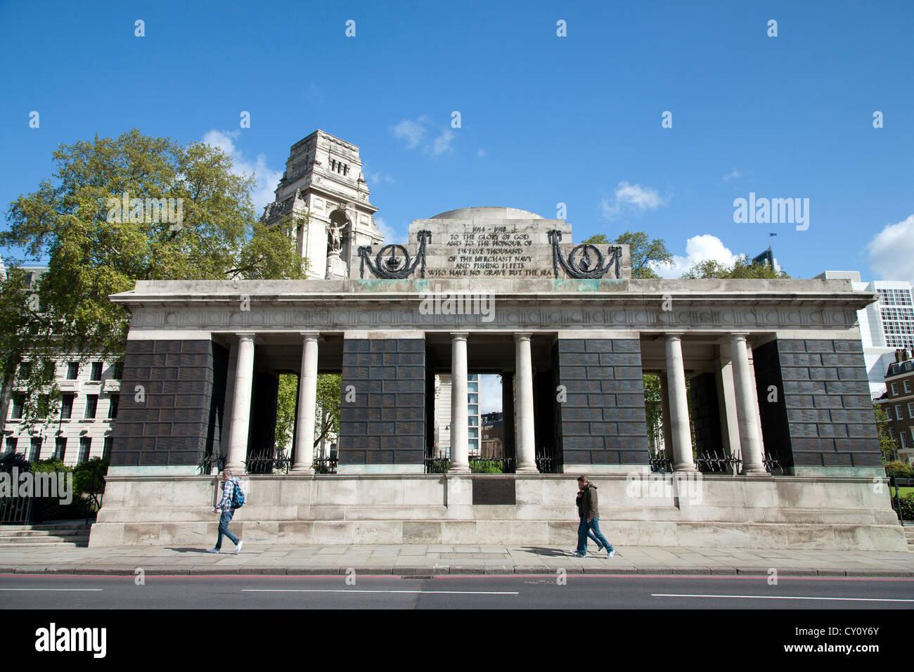 England. London. WW1 Handelsmarine Denkmal am Südende des Trinity Square Gardens. Stockbild