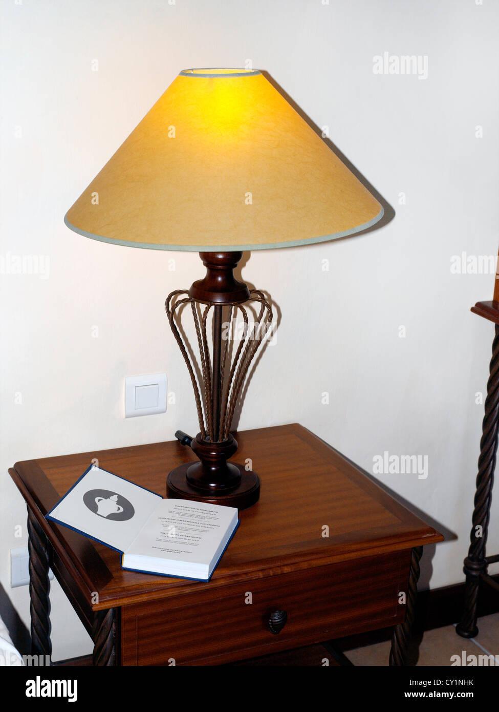 schlafzimmer lampe alt schlafzimmer lampe tischlampe. Black Bedroom Furniture Sets. Home Design Ideas