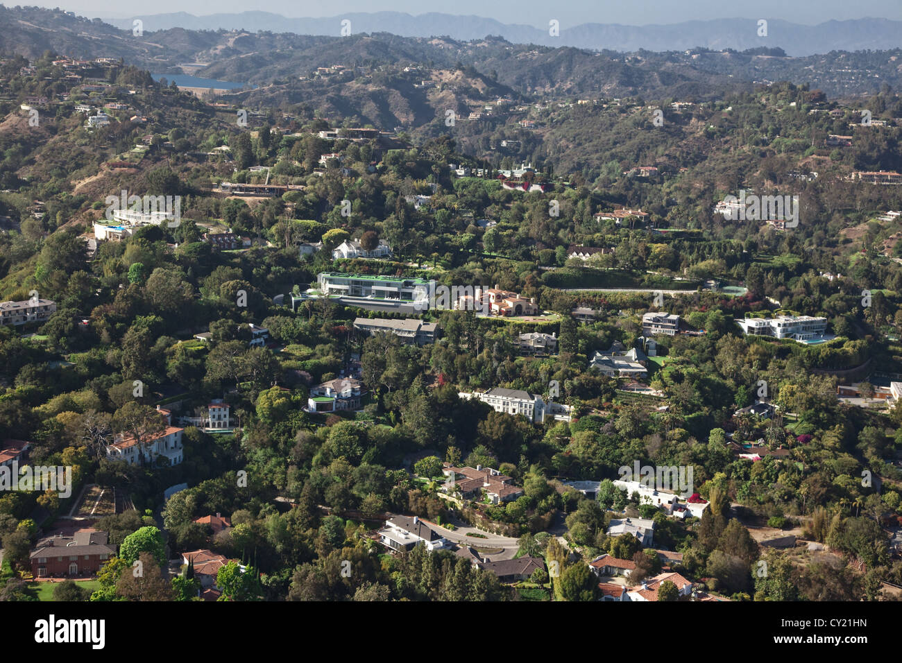 hollywood hills and houses stockfotos hollywood hills and houses bilder alamy. Black Bedroom Furniture Sets. Home Design Ideas