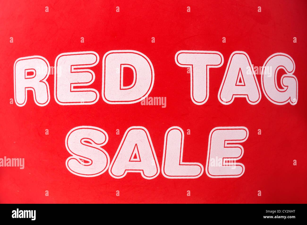Red Tag Verkauf Ballon an Autohaus Florida, USA Stockbild