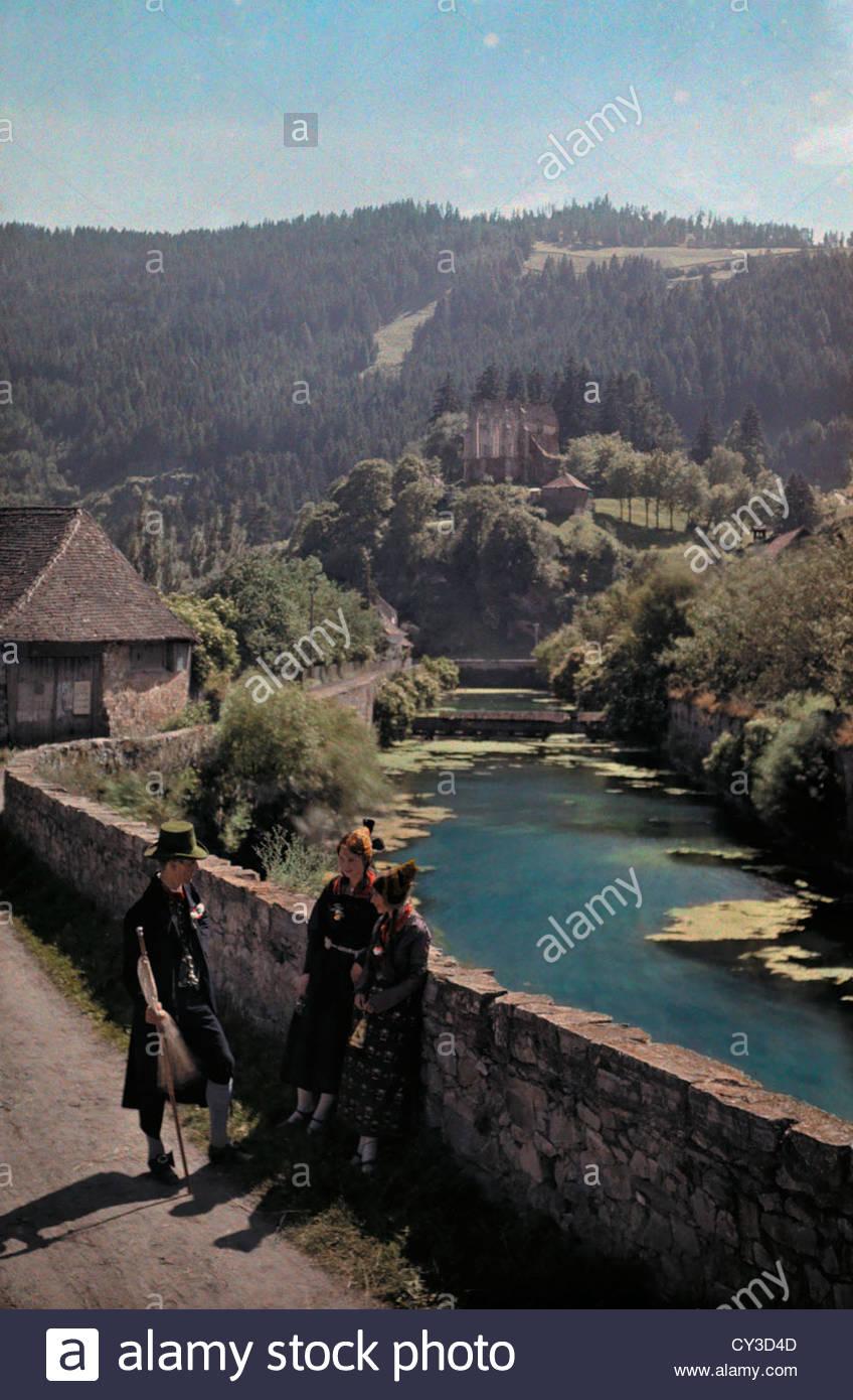 Mann Ladt Zu Einer Hochzeit In Der Steiermark Einer Benachbarten