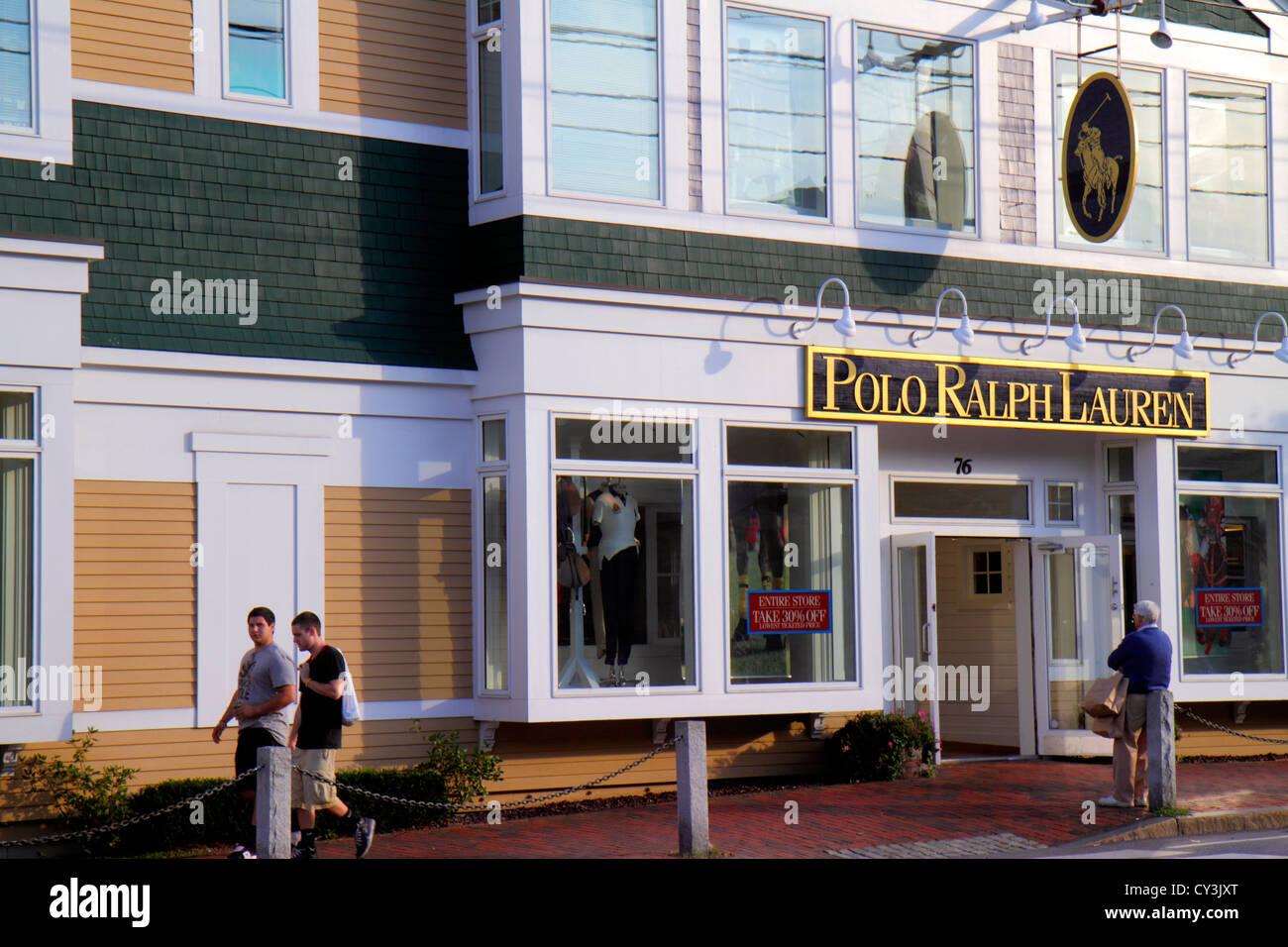 Maine Freeport Main Street Route 1 Einkaufen Polo Ralph Lauren Kleidung  Mode Outlet vor dem Eingang a311a23e4c