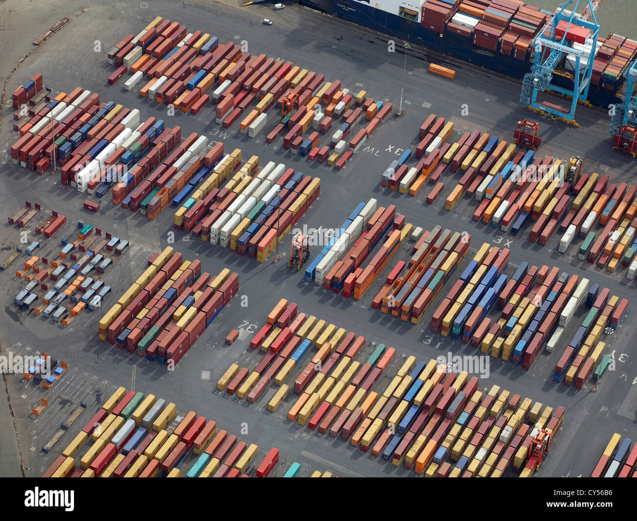 Container auf Liverpool Docks, Port of Liverpool, Merseyside, North West England, UK Stockbild