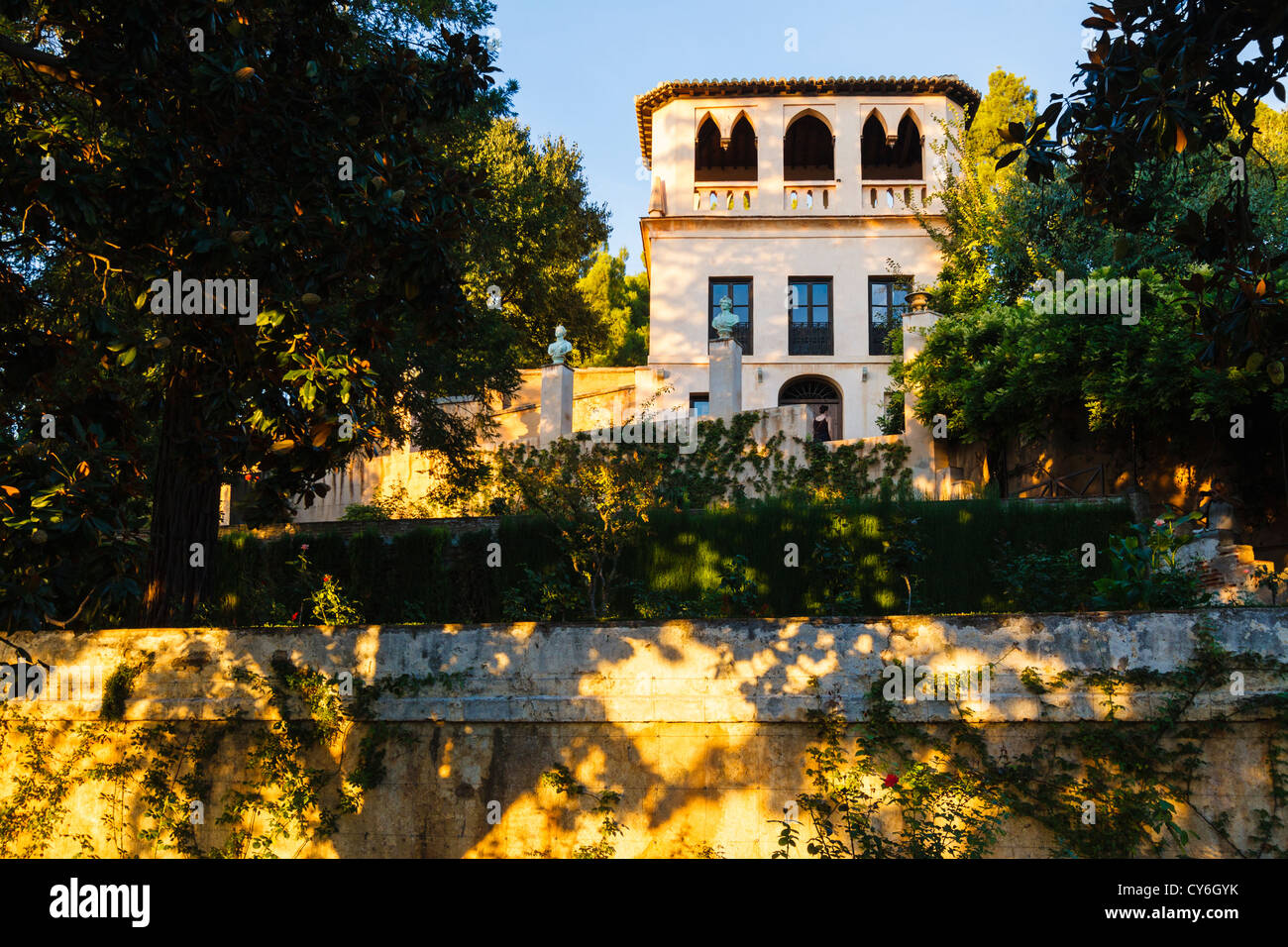 XIX. Jh. romantische Pavillon im neugotischen Stil in den Gärten des Generalife. Granada, Andalusien, Spanien Stockbild