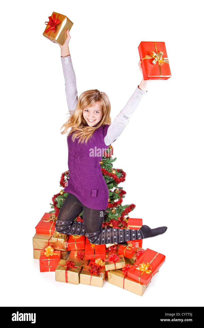 glücklich Teenager-Mädchen springen mit Geschenk Stockfoto, Bild ...