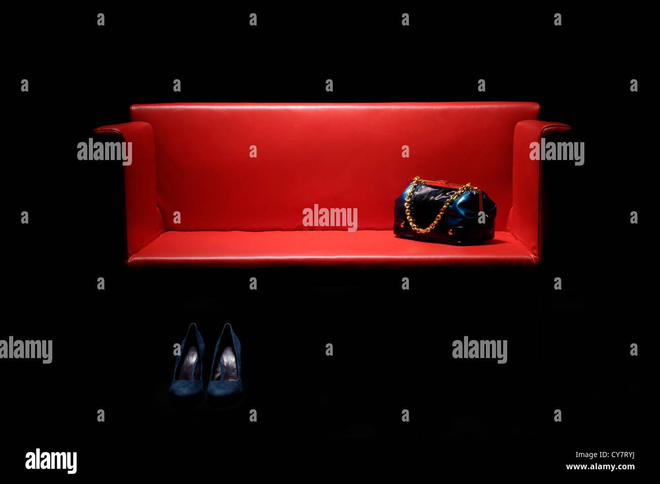 red sofa stockfotos red sofa bilder alamy. Black Bedroom Furniture Sets. Home Design Ideas