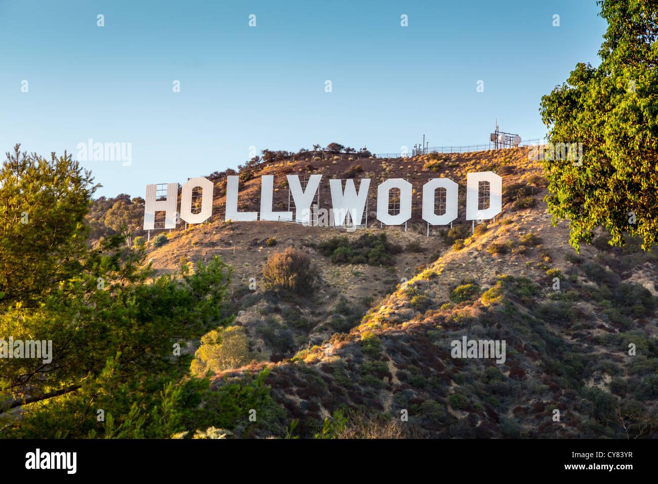 HOLLYWOOD Kalifornien - 24 SEPTEMBER: Die Welt berühmtes Wahrzeichen Hollywood-Schild am 24. September 2012 Stockbild