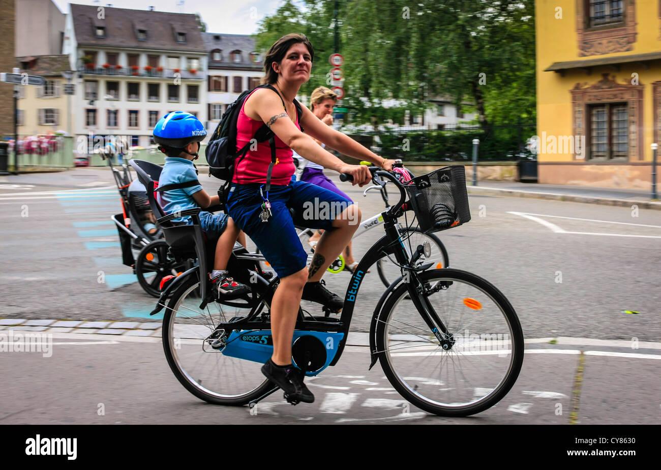 frischluft spa fahrrad peddle bike stockfotos. Black Bedroom Furniture Sets. Home Design Ideas