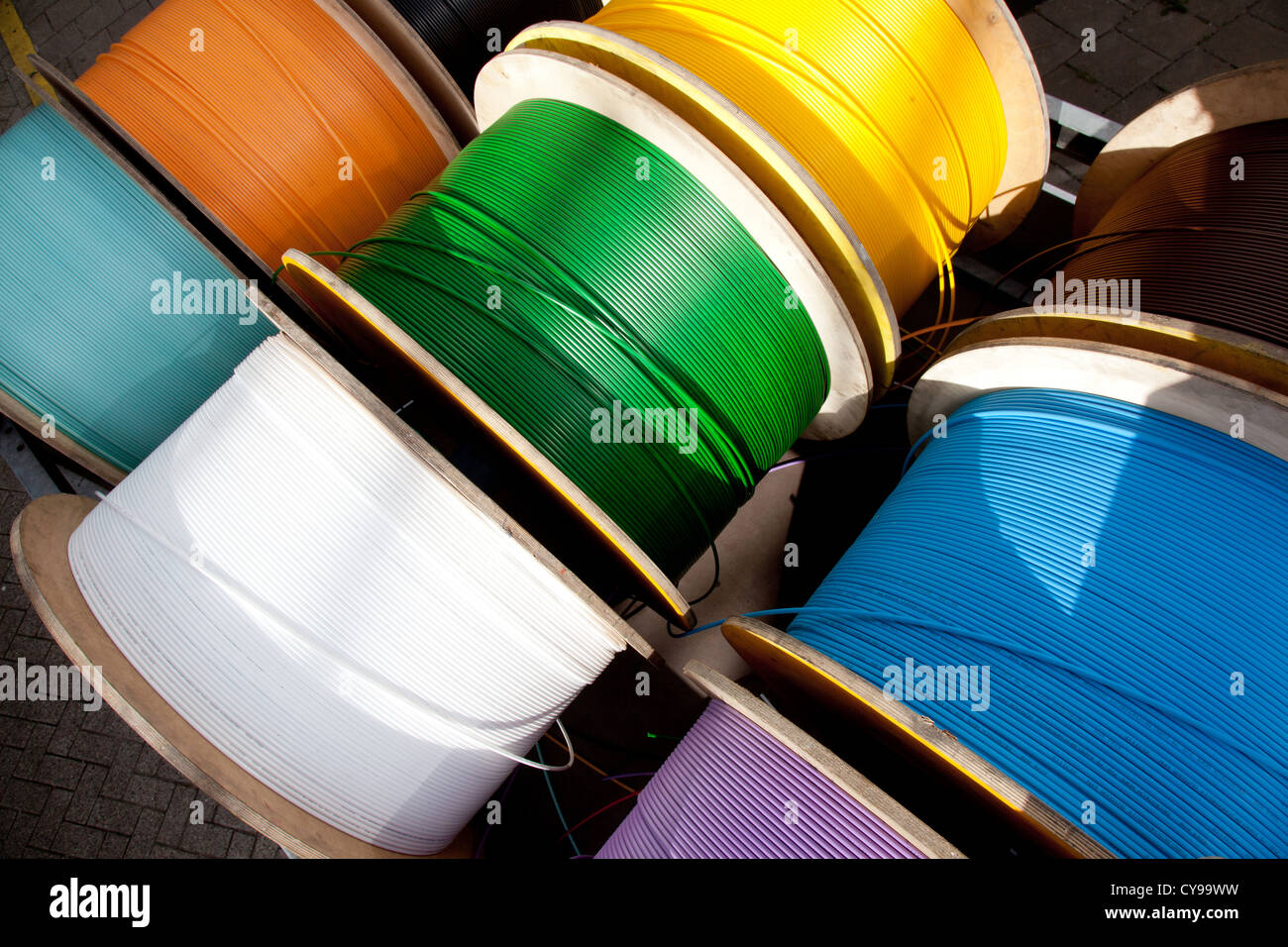 telephone cable spool stockfotos telephone cable spool bilder alamy. Black Bedroom Furniture Sets. Home Design Ideas