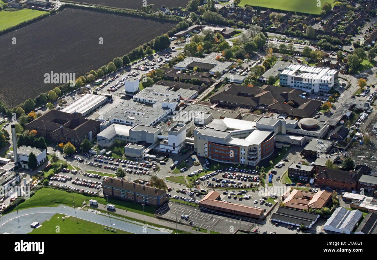 Luftaufnahme von Stoke Mandeville Hospital in Aylesbury Stockbild