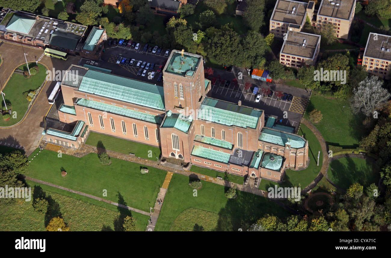 Luftaufnahme von Guildford Kathedrale in Surrey Stockbild