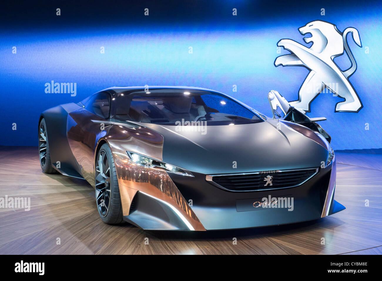 Konzeptfahrzeug Peugeot Onyx auf der Paris Motor Show 2012 Stockbild