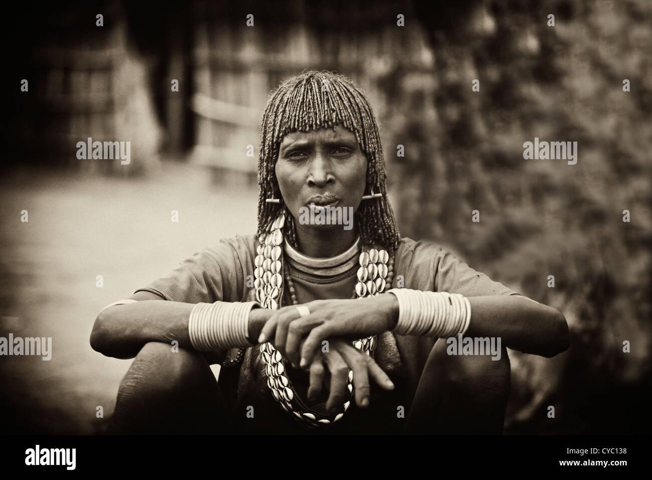 Stammes Frisur Stockfotos Stammes Frisur Bilder Alamy