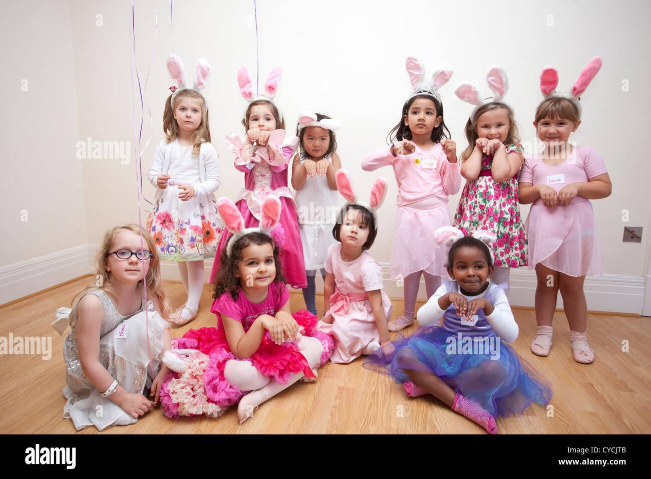 5 Jahre Gekleidet Madchen Geburtstagsparty Alle Wie Party Kleidung