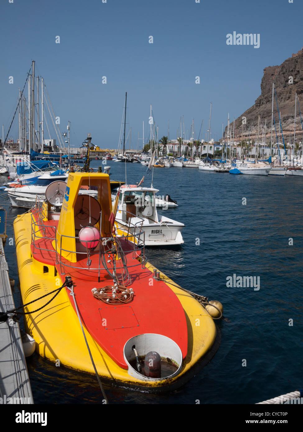 Das U Boot gelben u-Boot in Puerto de Mogan Gran Canaria Kanaren Spanien Stockbild