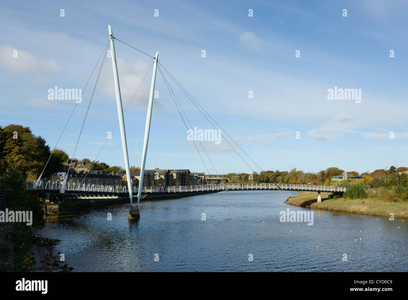 Die Lune Millennium Bridge überqueren den Fluss Lune in Lancaster UK Stockfoto