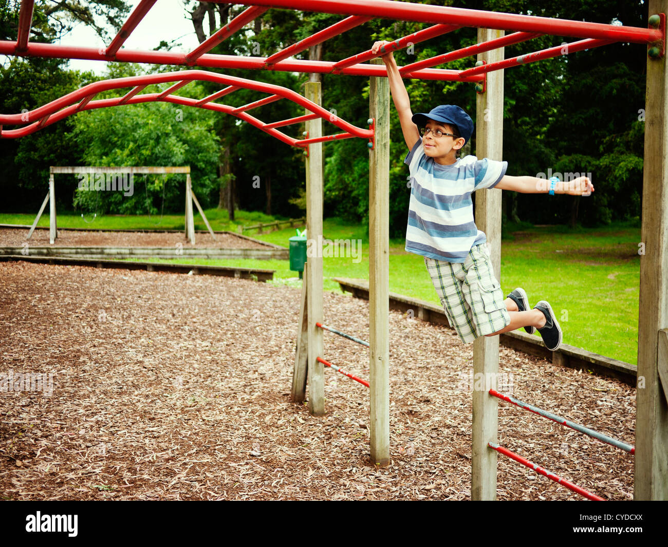 Little Monkey Klettergerüst : Monkey bars stockfotos bilder alamy