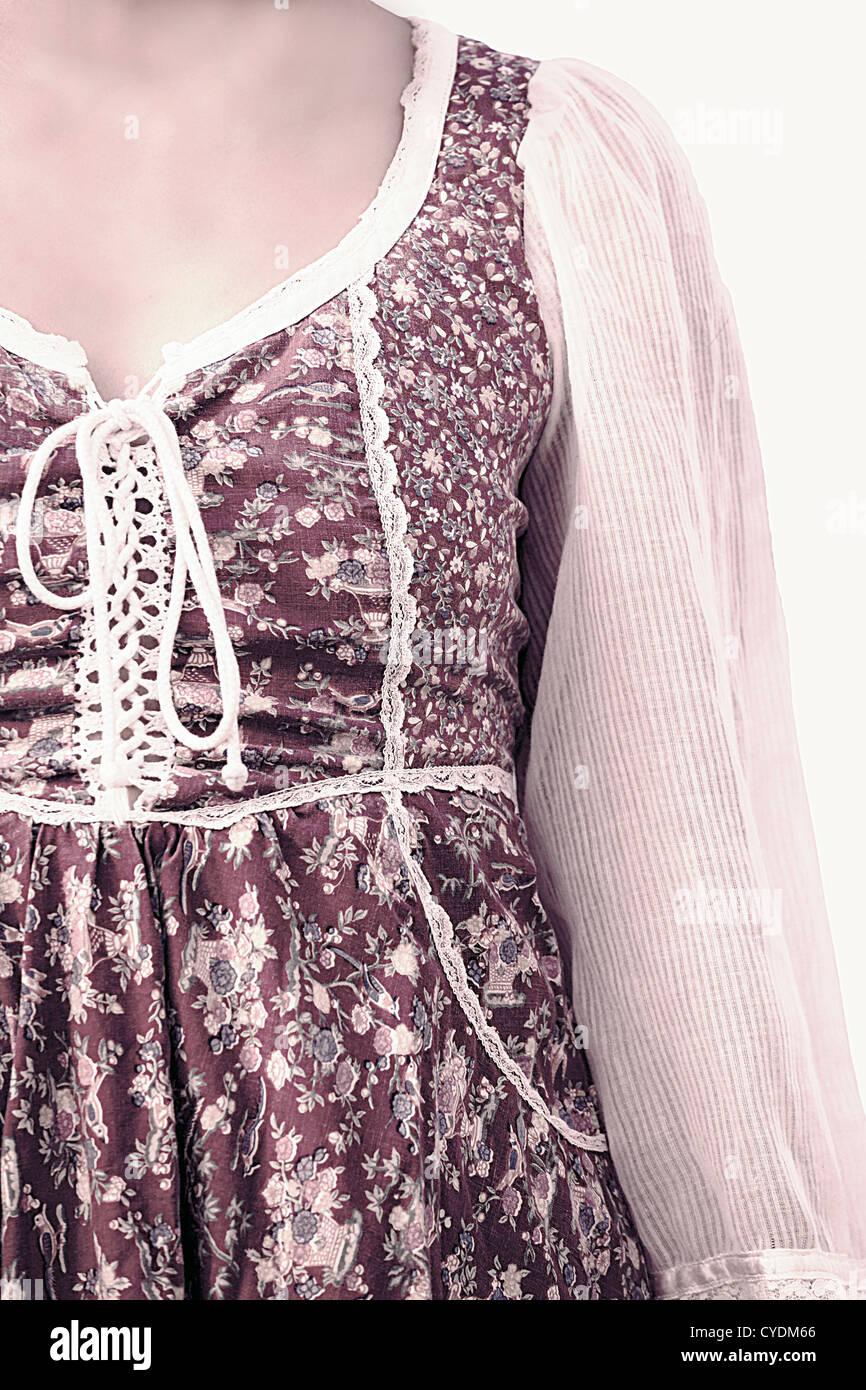 Detail-Aufnahme einer Frau in ein Vintage-Kleid Stockbild