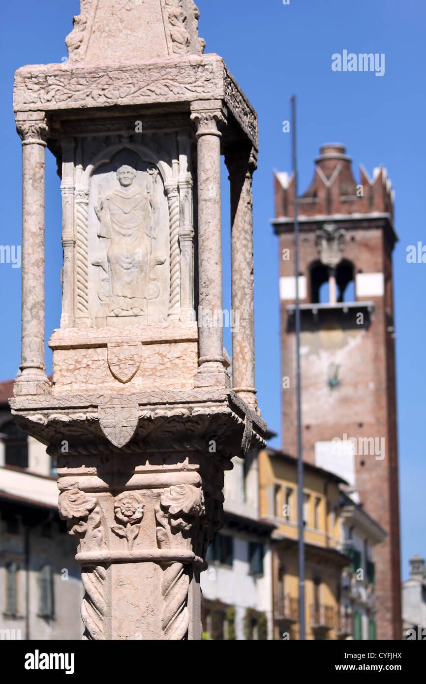 Alte Markt Spalte an der Piazza Delle Erbe in Verona, Veneto, Italien Stockbild