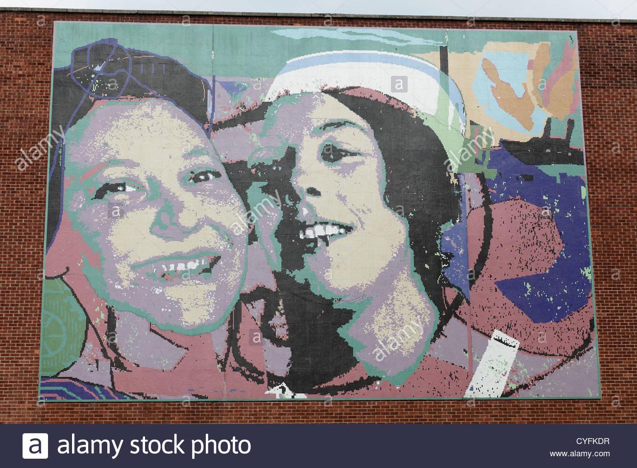 Eine riesige Wandbild mit dem Titel Govan Frauen Glasgow, Scotland, UK Stockbild