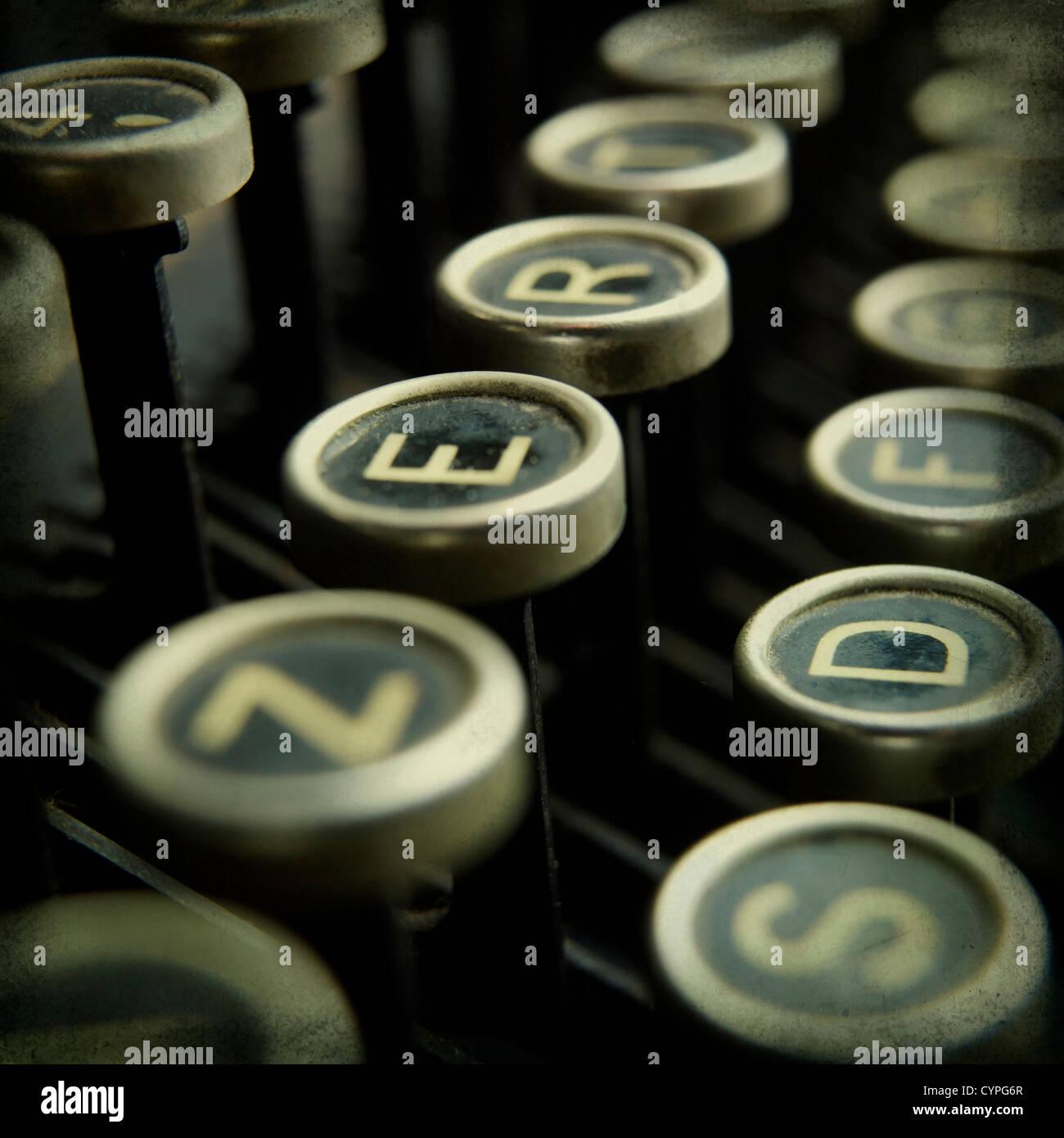 Nahaufnahme eines alten altmodische Schreibmaschine Schlüssel Stockbild