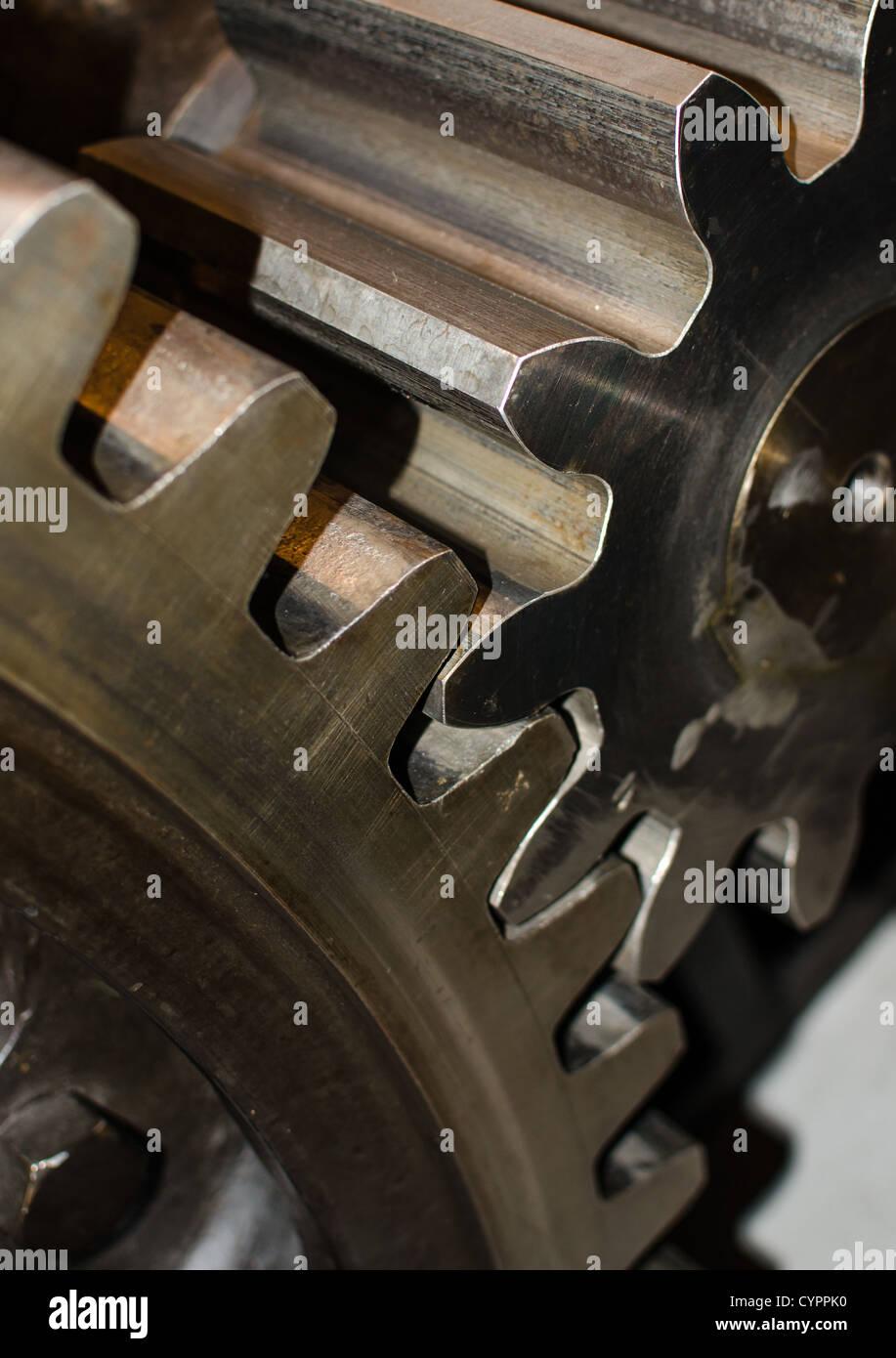 Zusammenarbeit von zwei industriellen Ragwheels im detail Stockbild