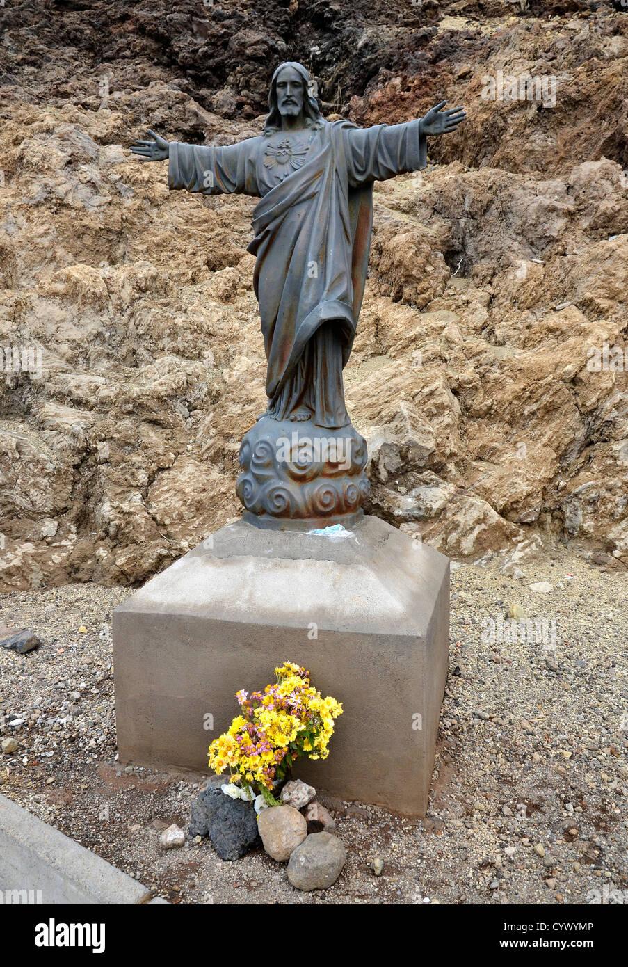 Eine Statue von Jesus Christus nahe dem Gipfel des Mount Teide, Teneriffa, Kanarische Inseln Stockbild