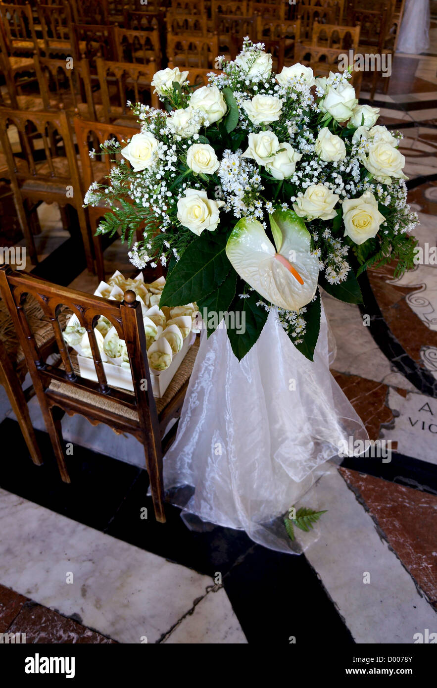 Wedding Day Church Decoration Stockfotos Wedding Day Church
