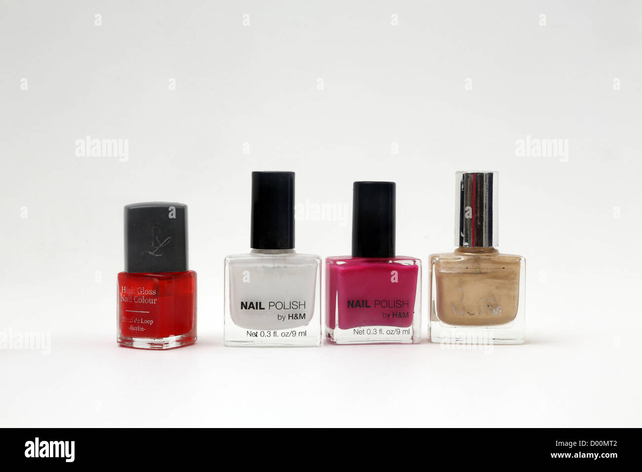 White Nail Polish Stockfotos & White Nail Polish Bilder - Alamy