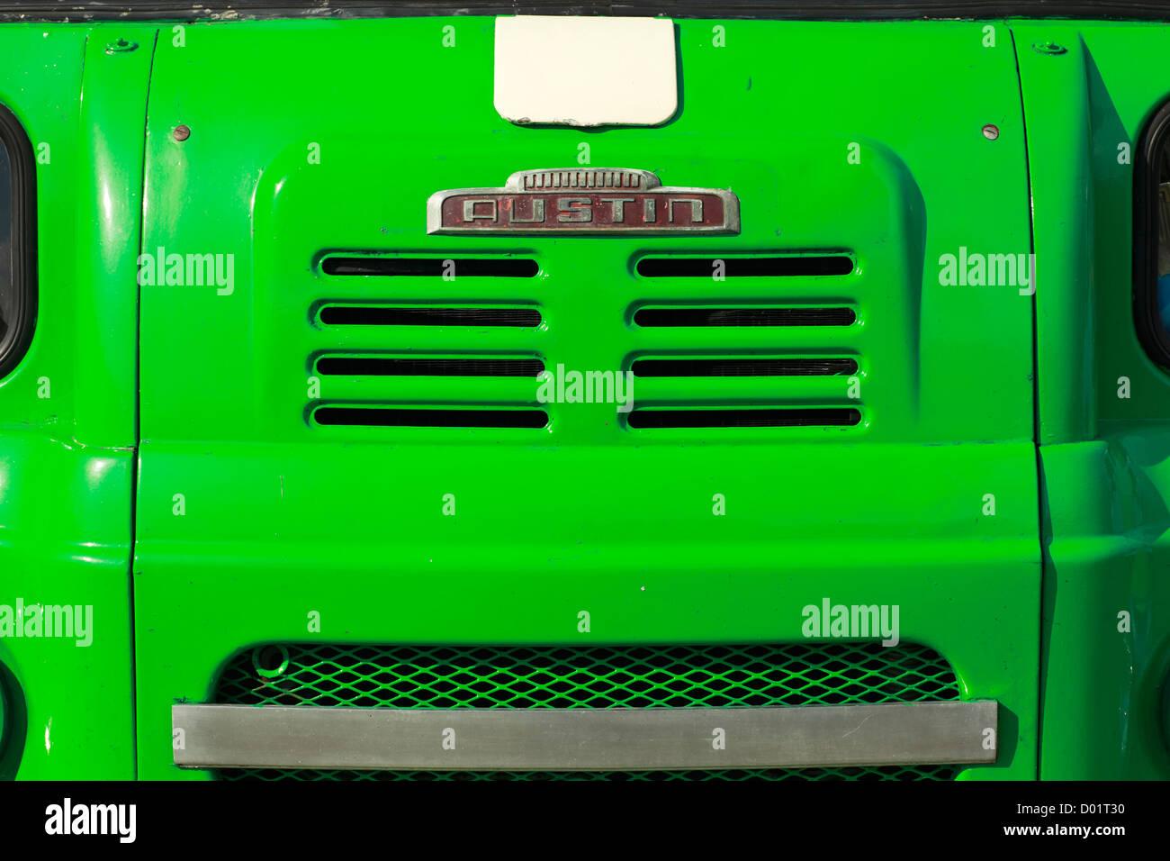 Vorderen Heizkörper der traditionellen alten LKW Lastwagen, Austin Stockbild