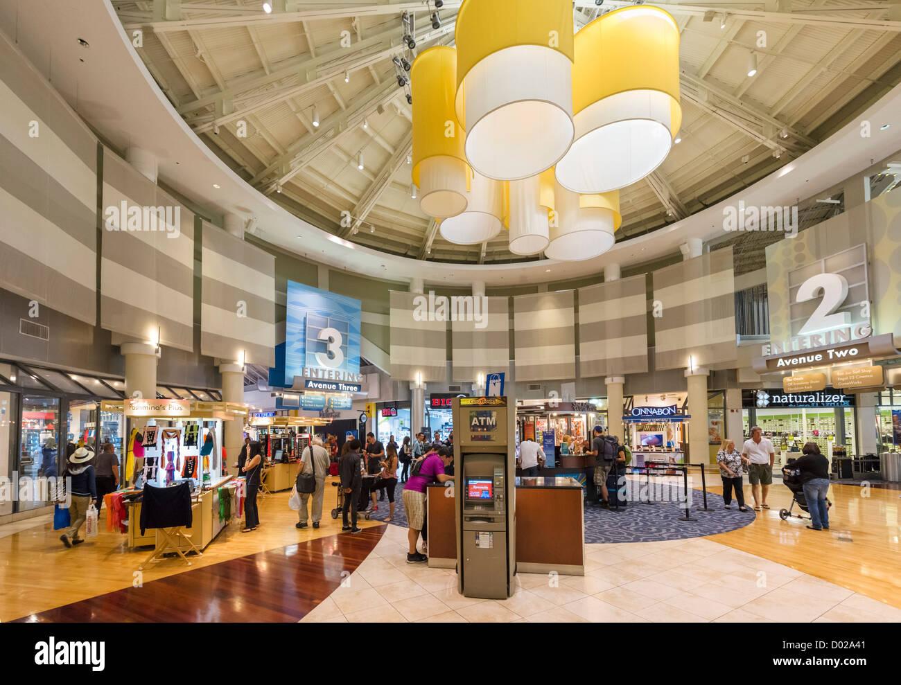 Innenraum der Sawgrass Mills Shopping Mall (das 2. größte in Florida), Sonnenaufgang, Broward County, Stockbild