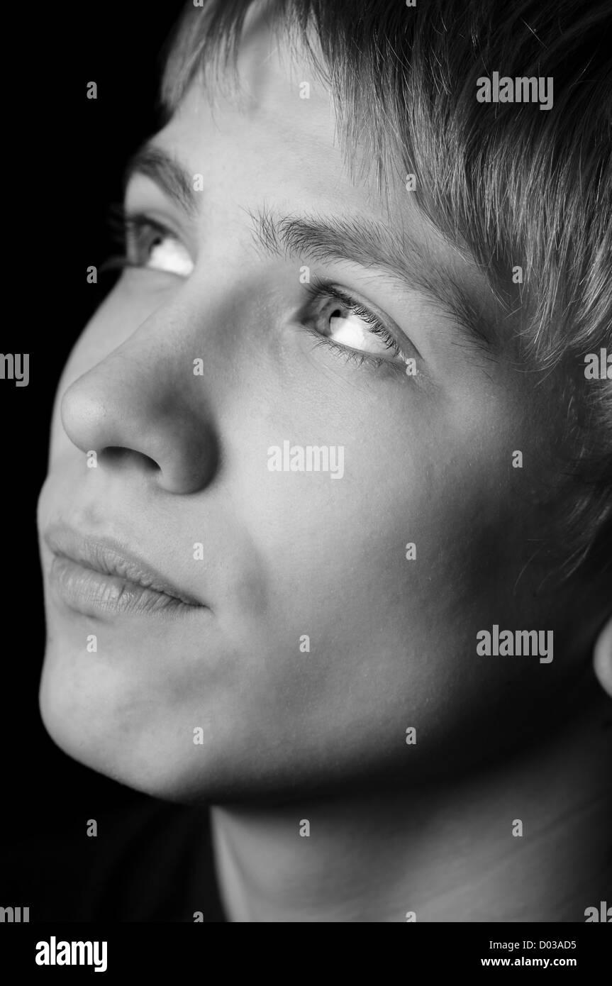 Porträt eines Teenagers mit Graustufen Stockbild
