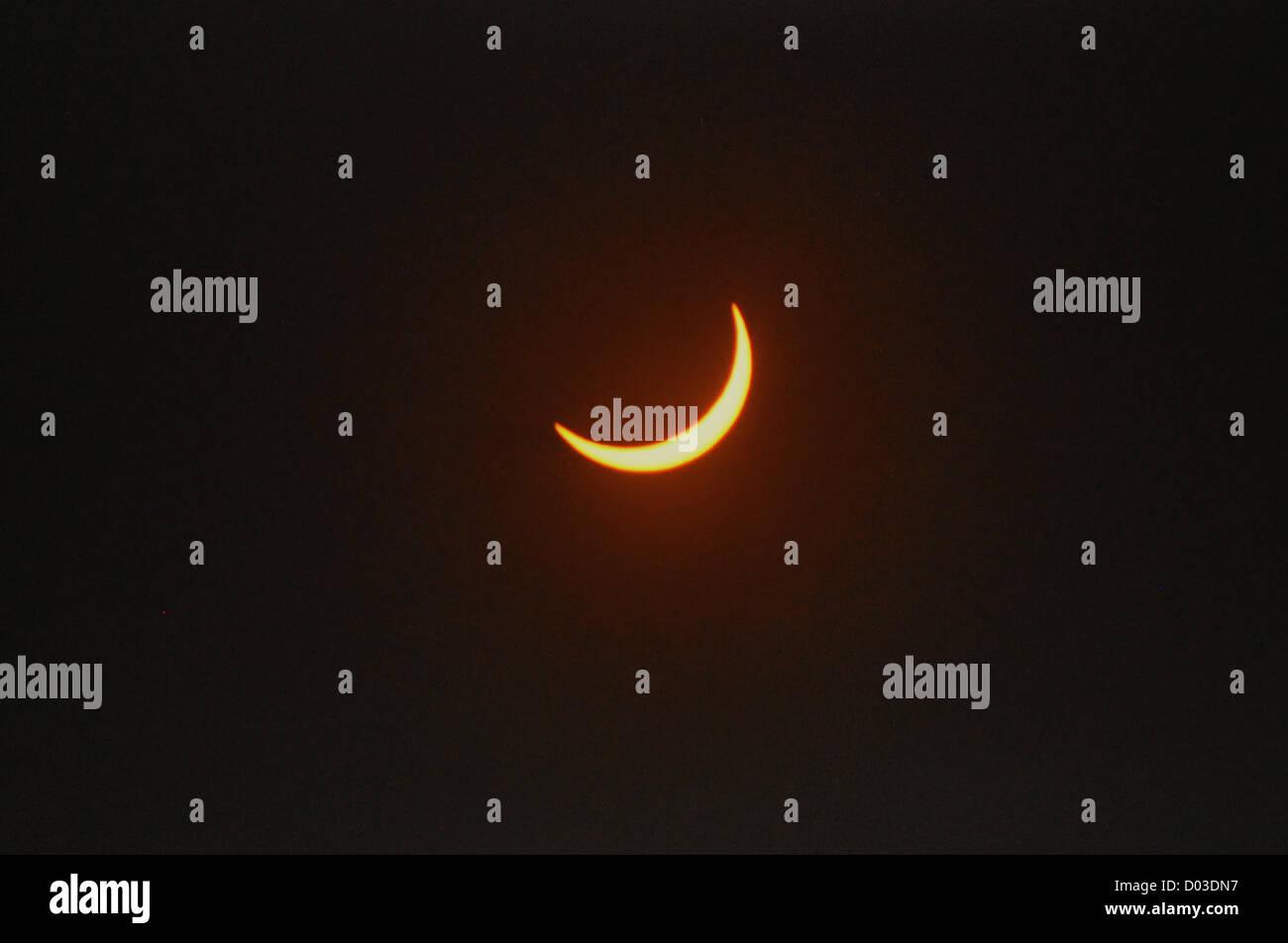 Blick auf eine totale Sonnenfinsternis als es quer durch die Nordspitze von Australien 13. November 2012 in Cairns, Stockbild