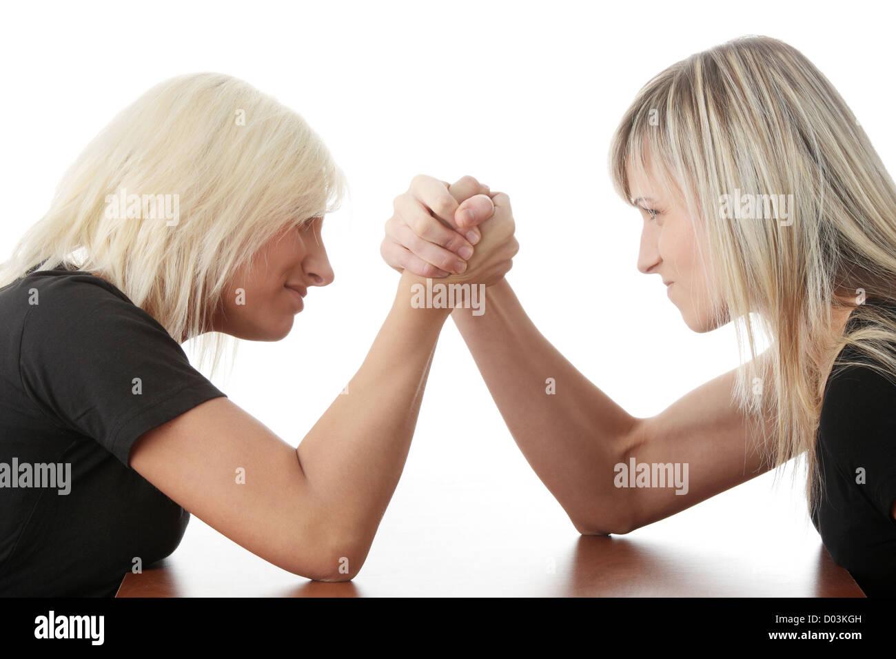 Zwei Frauen-Wettbewerb. Isoliert auf weißem Hintergrund Stockbild