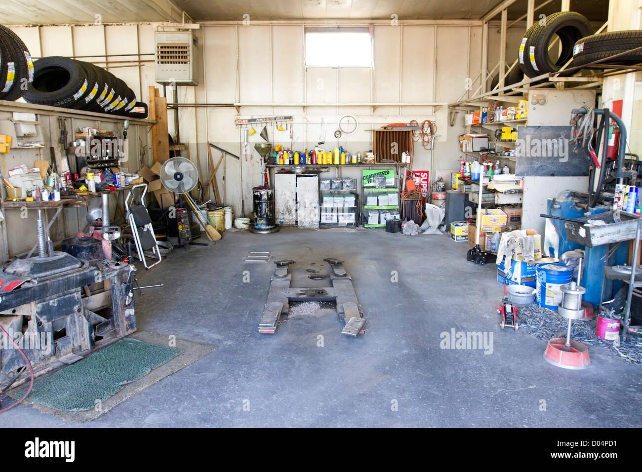 Auto-Werkstatt in Marfa, Texas. Stockbild