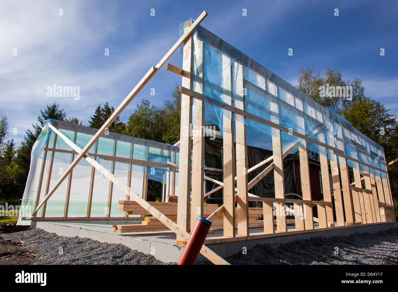 Hölzerne Baugerüst Eines Hauses Im Bau Stockbild