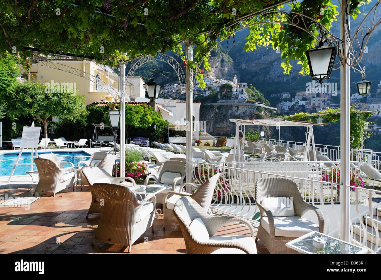 Uberdachte Terrasse Mit Einem Pool Hotel Poseidon In Positano