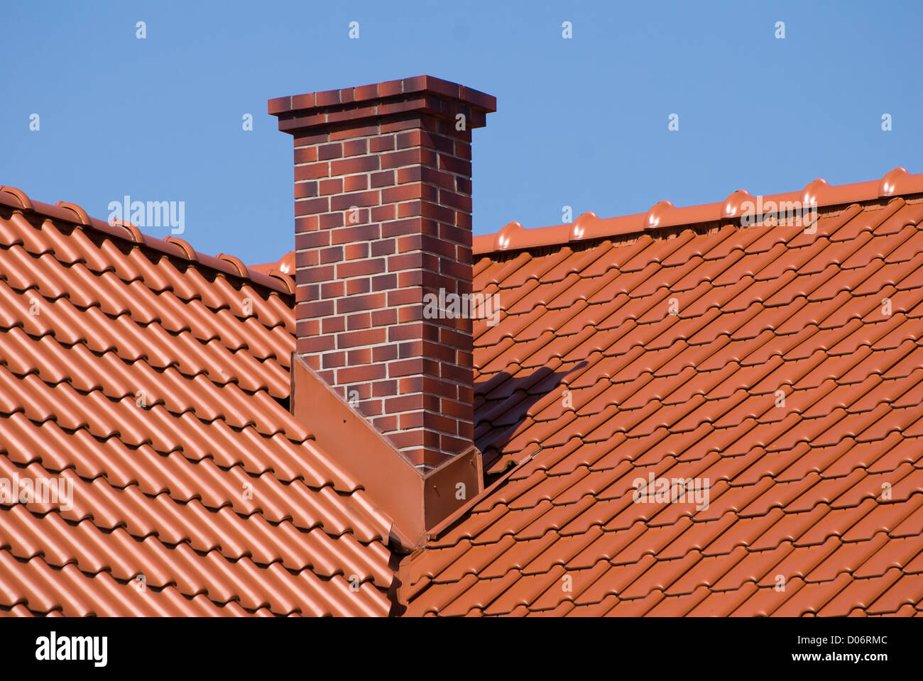 roof ridge tiles stockfotos roof ridge tiles bilder alamy. Black Bedroom Furniture Sets. Home Design Ideas